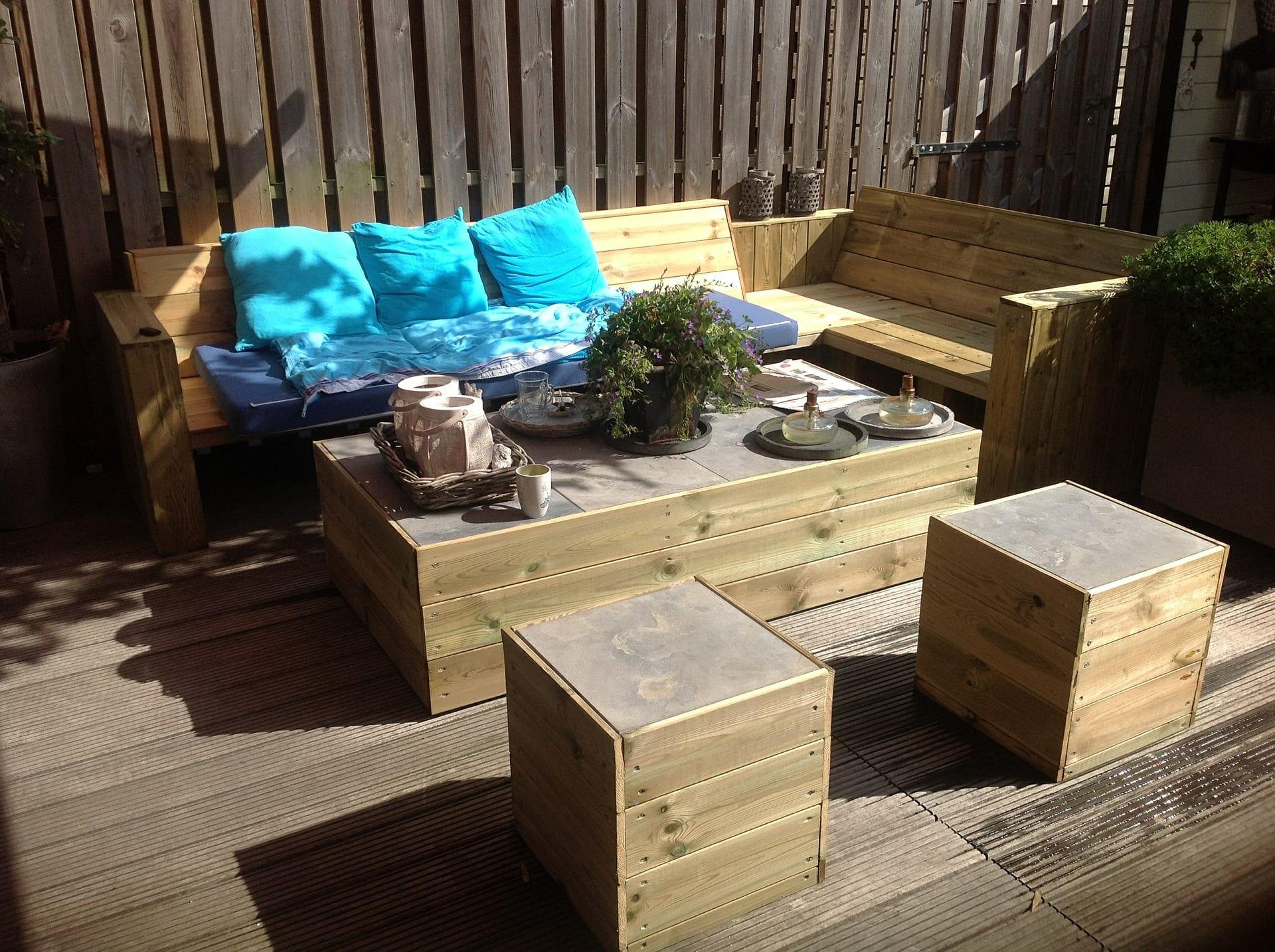 Meble Ogrodowe Drewniane Eukaliptus : Drewniane meble ogrodowe  Porady ogrodnicze