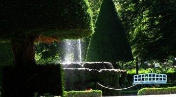 PoradyOgrodnicze.pl - Pomysły na fontannę w ogrodzie - fontanna
