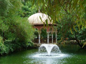 PoradyOgrodnicze.pl - Pomysły na fontannę w ogrodzie - fontanna2